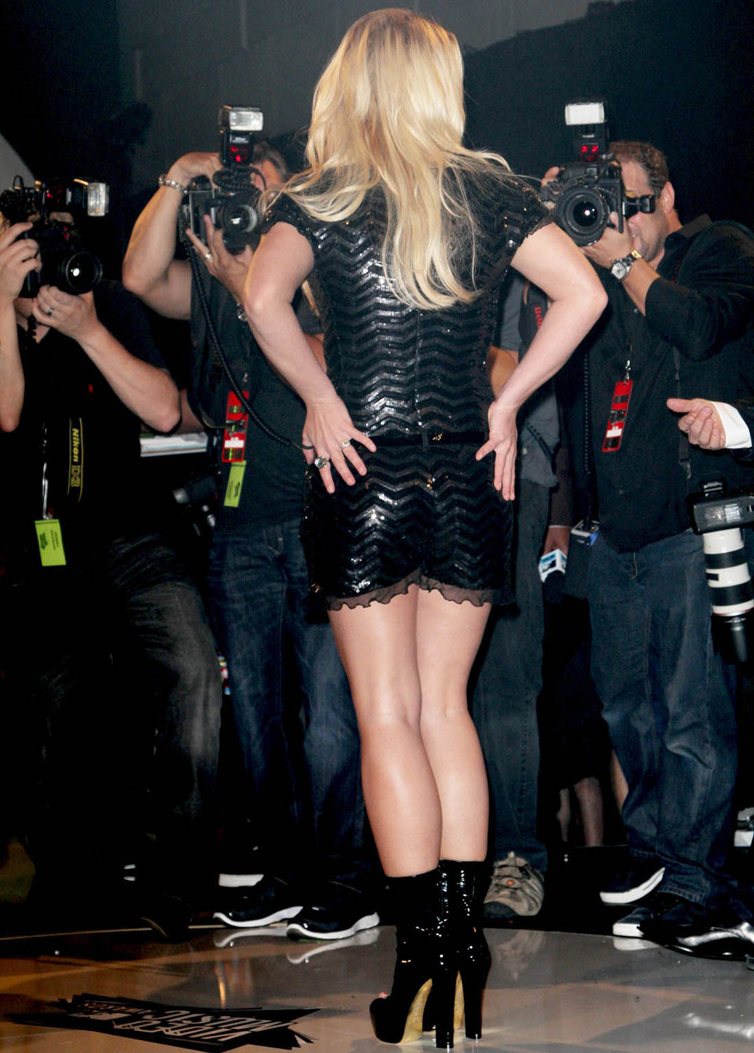 http://4.bp.blogspot.com/-DMTe2ywK7Jg/UO1d_WBxsyI/AAAAAAAAG7U/gKuaiQMB-YY/s1600/britney-spears-at-mtv-video-music-awards-2011-1.jpg