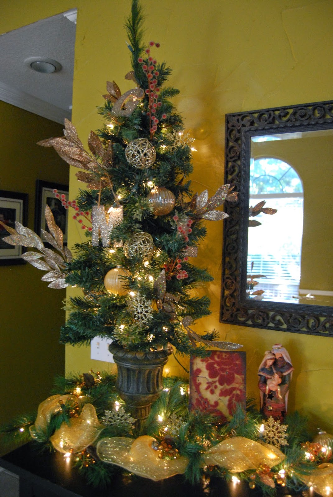 Christmas decorations 2014 - The Little Tree On Our Front Hall Buffet Table Has Our Glitter Ornaments From Pottery Barn With Everyone S Initials