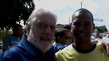 O NOSSO JORNALISTA JORGE SOUZA AO LADO DO GOVERNADOR DA BAHIA