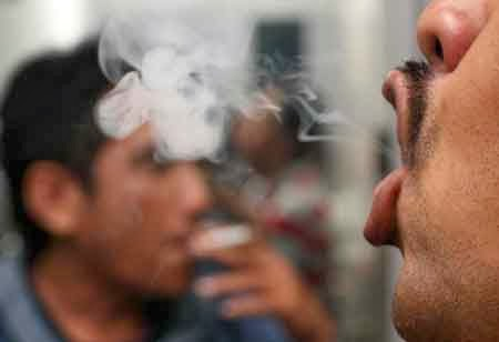 kelantan, rakyat kelantan tinggi hisap rokok, merokok di kelantan, gambar hisap rokok