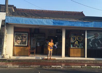 Óptica en Gianyar. Bali