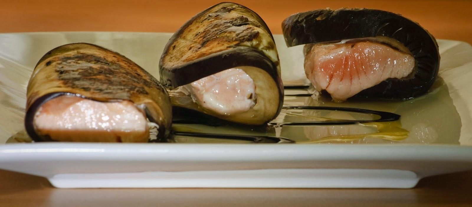 Pincho de berenjena y salmón; eggplant and salmon appetizer