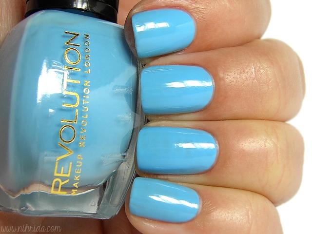Makeup Revolution Nail Polish - True Blue