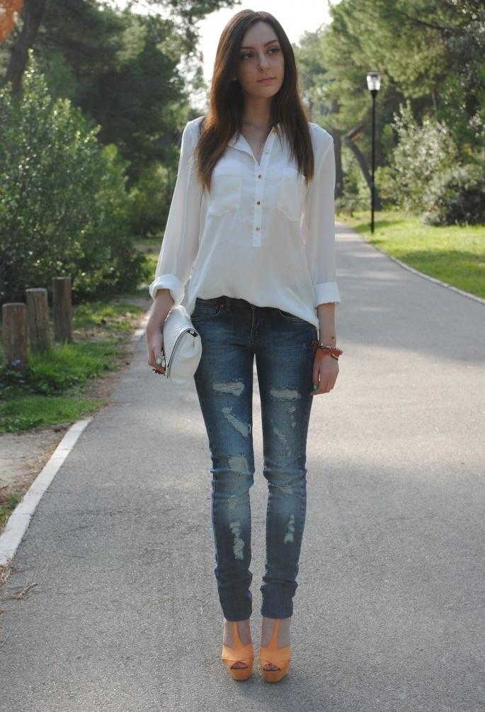 Белая Блузка С Джинсами