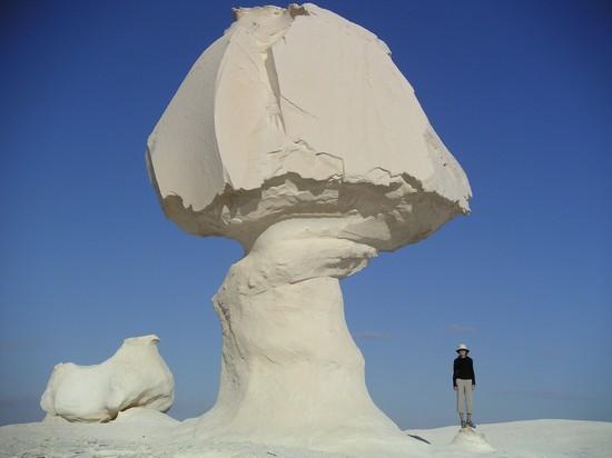 Rochas brancas no Deserto Branco - Sahara el Beyda - no Egito