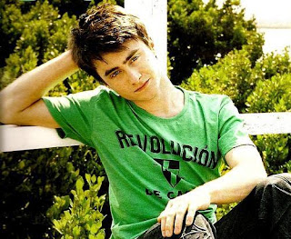 Biography Daniel Radcliffe - MizTia Respect