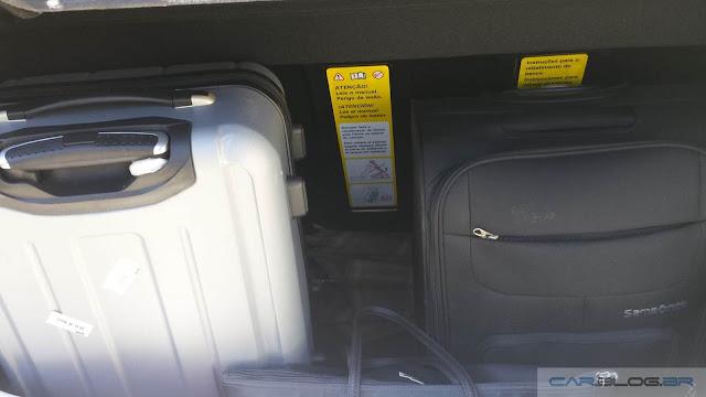 VW CrossFox 2016 I-Motion - porta-malas