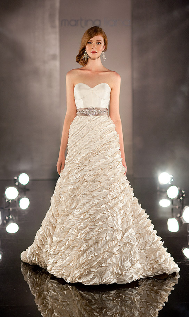 Bridal Gowns El Paso : Portia s this wedding gown is modern it elegant
