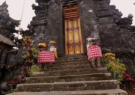 Bali is very unique bali lombok info holiday vacation for Unusual accommodation bali