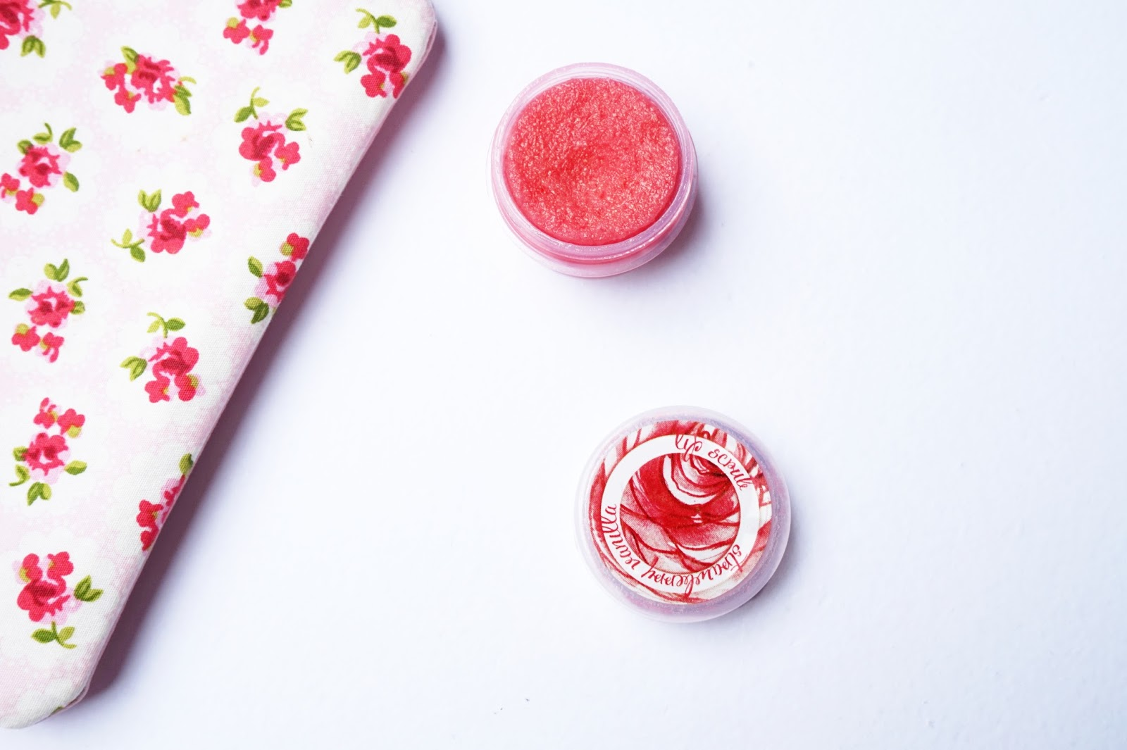 review of ellana mineral strawberry vanilla lip scrub