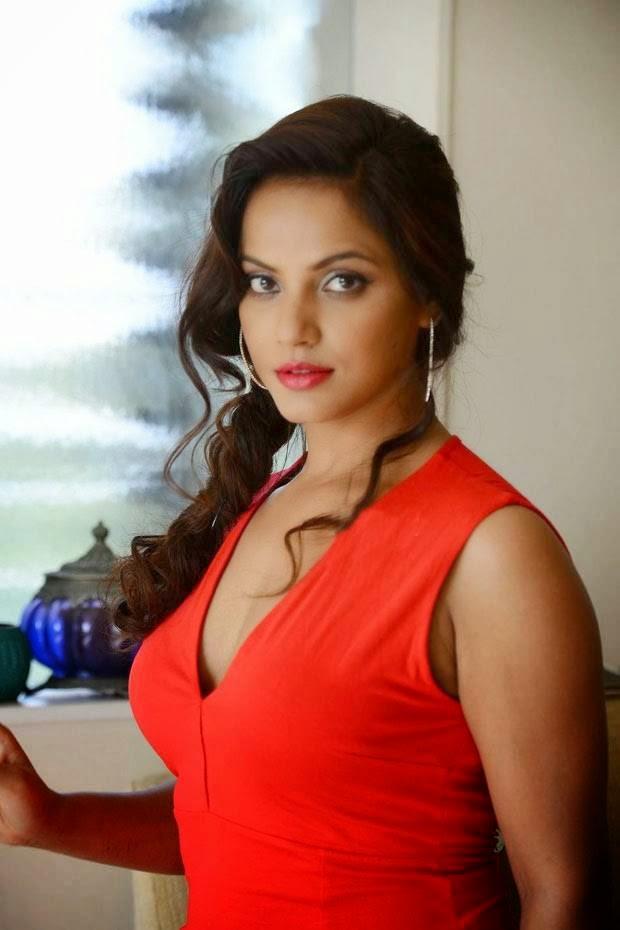 Actress Neethu Chandra Unseen Stills