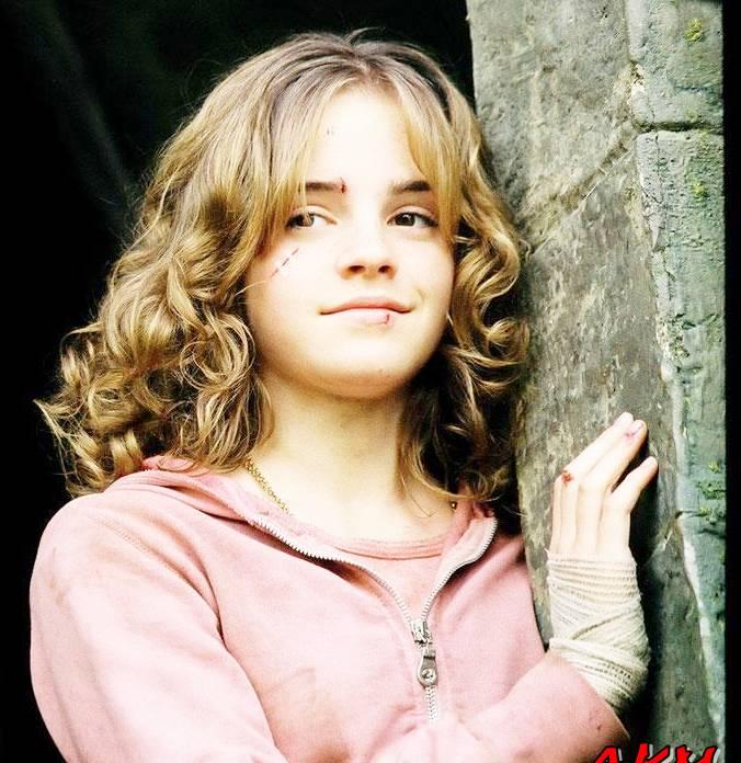 Emma Watson Pics 2012