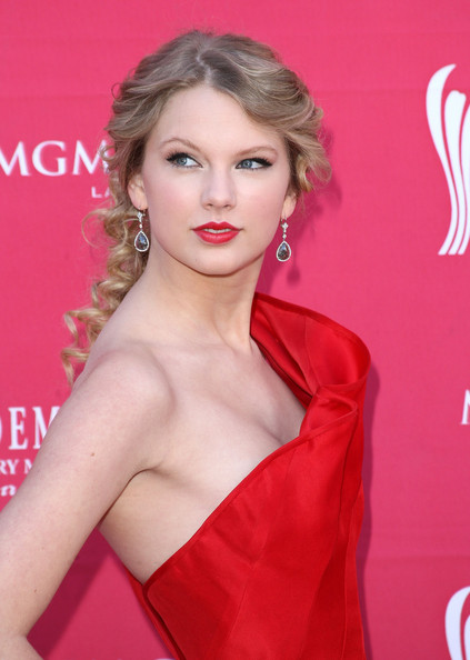 Funny Picture Clip Celebrity Taylor Swift Hairstyles
