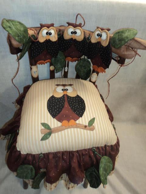 cadeira de coruja em patchwork