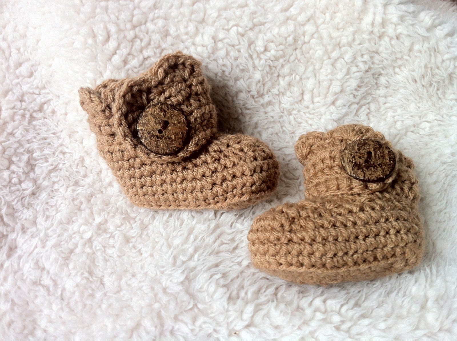 Free Crochet Pattern Baby Ugg Booties : The Way I Crochet: Crochet Baby Ugg Booties
