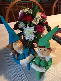 Knee Hugger Elves, pattern by Heidi Boyd