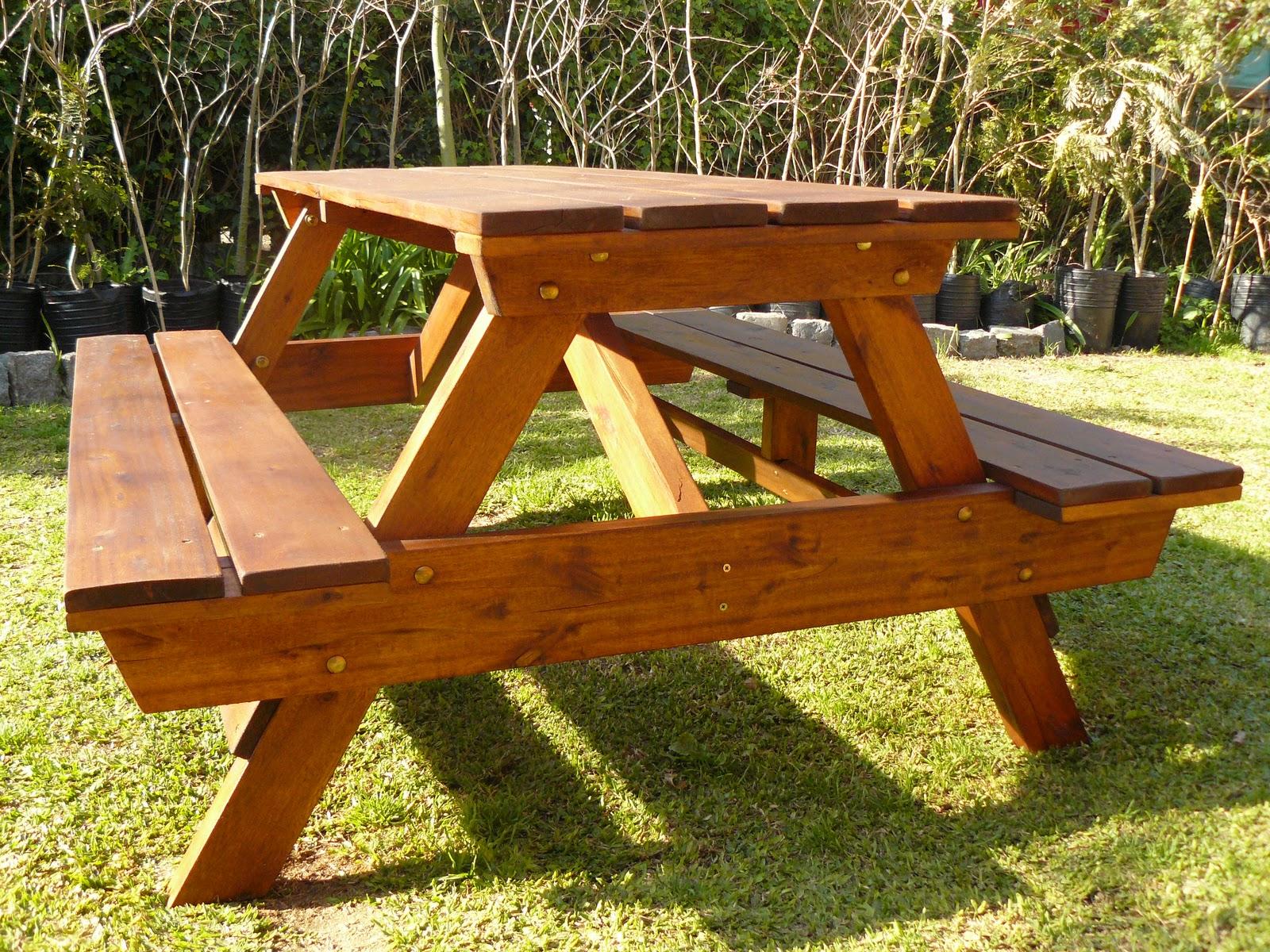 Jardines de cactus y suculentas mesa banco para el jard n for Banco madera jardin carrefour