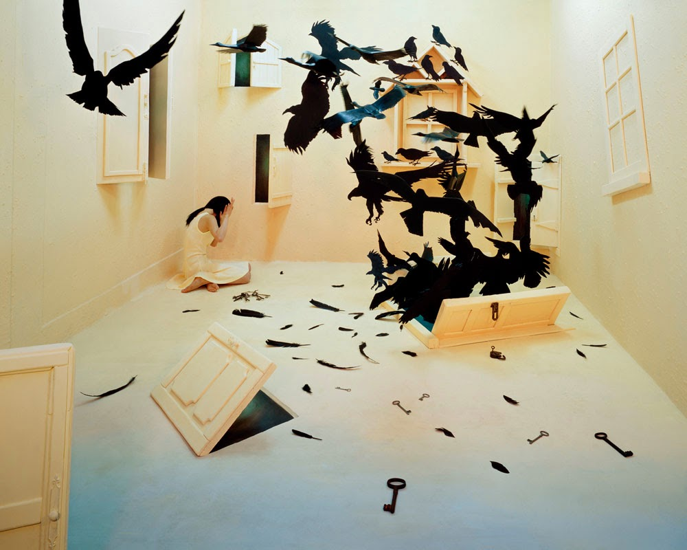 02-Black-Birds-South-Korean-Jee-Young-Lee-Surreal-Stage-of-Mind-www-designstack-co
