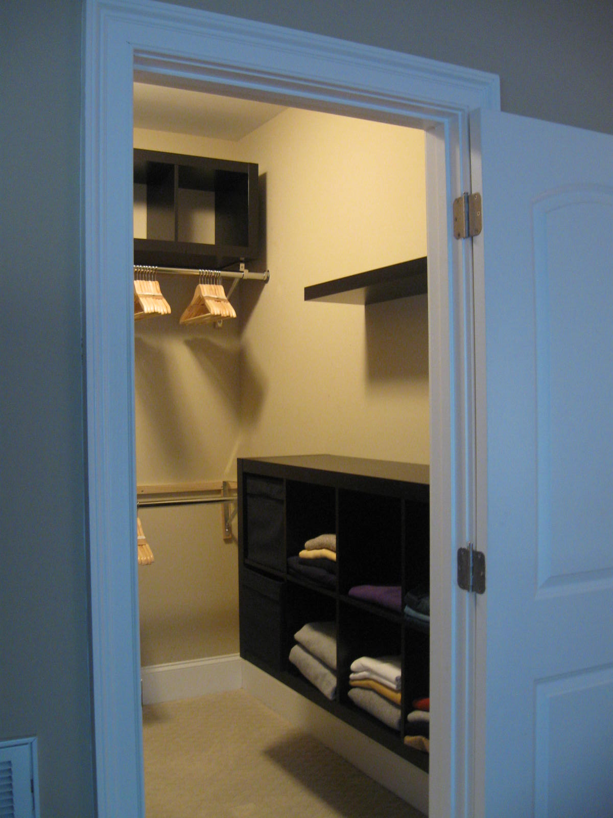 Expedit closet small walk in get home decorating for Great closets