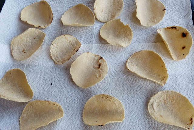 Dejamos secar las tortillas de maíz