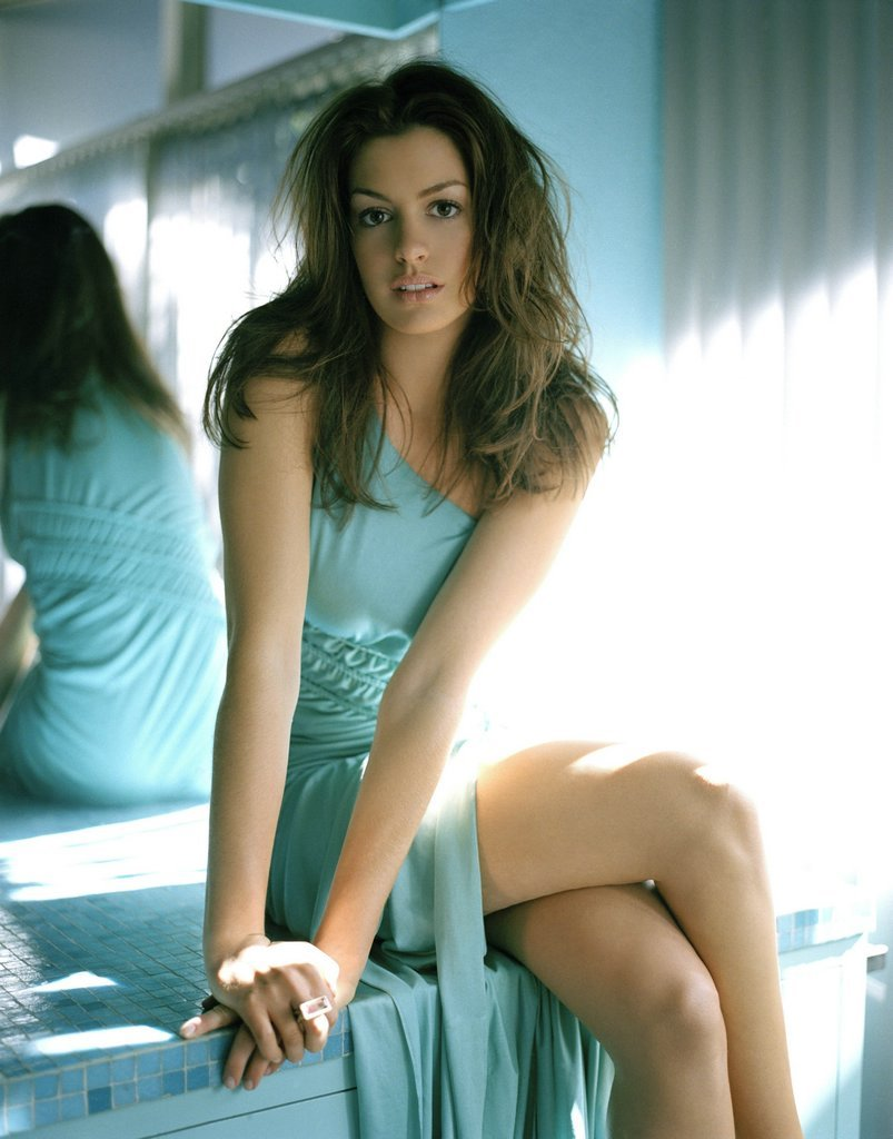 Anne Hathaway Biography - Celebrity Biography - Celebrity ...
