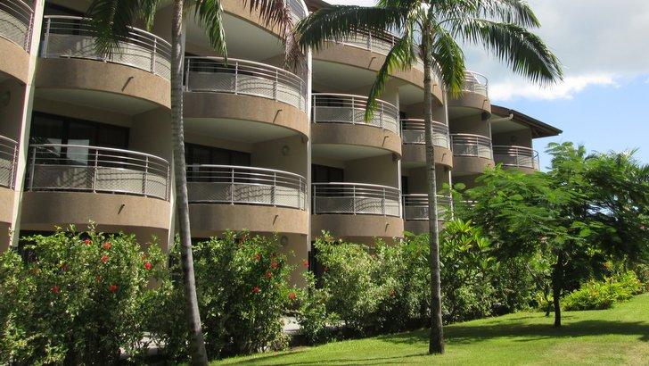 Côté lagon du Manava Resort
