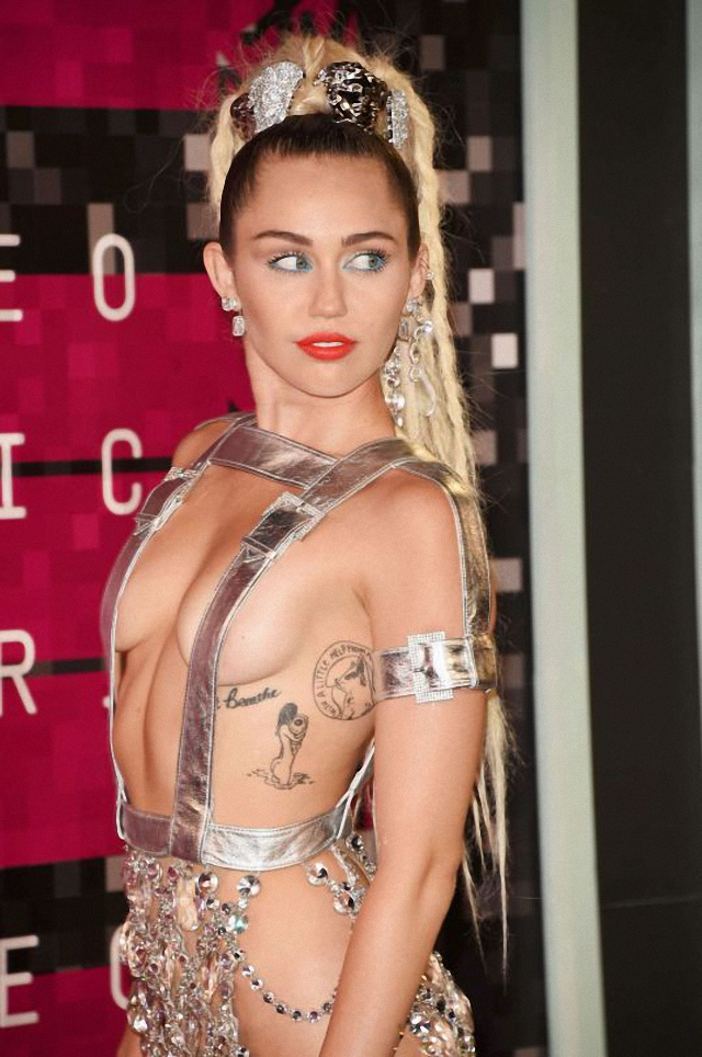 Miley Cyrus en MTV Vídeo Music Awards