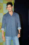 Mahesh Babu At Idea Student Awards-thumbnail-16