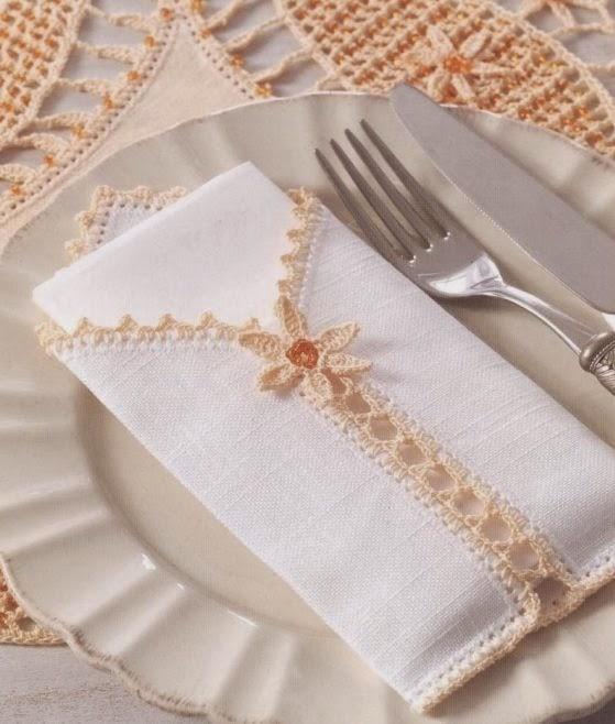 Delicado porta servilleta con puntilla tejido con ganchillo - con esquema