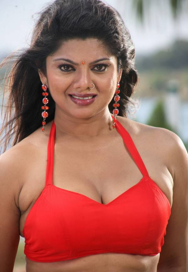 Swathi Verma - Tamil Mallu Aunty New Hot Sexy Pics Photos Saree Stills