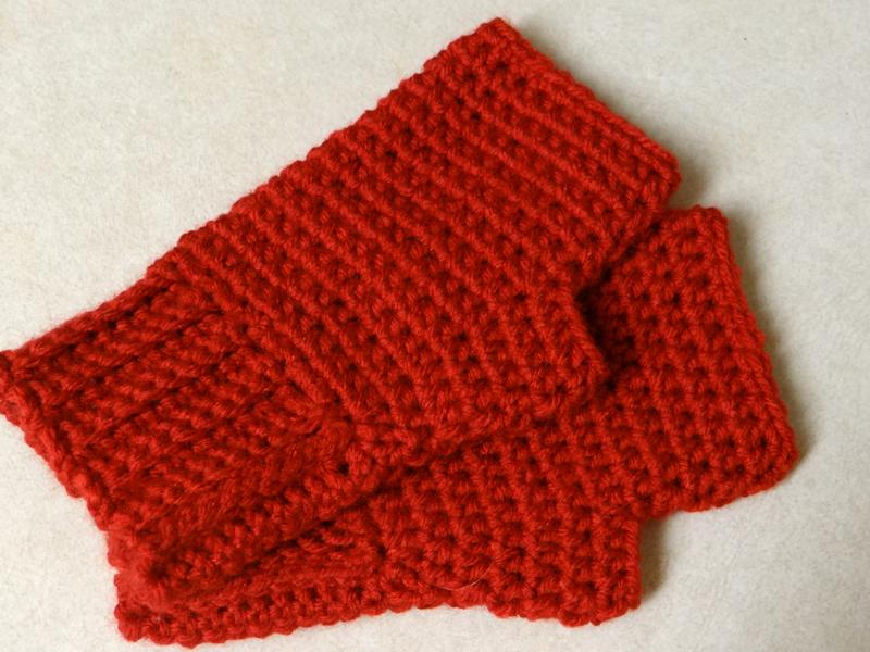 Crochet Fingerless Gloves Pattern Easy : Two Little Cs: Simple Fingerless Gloves Pattern