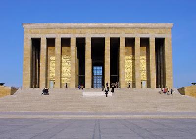 EtnaGrafi - Muzium tempat persemadian Mustafa Kamal Atatürk