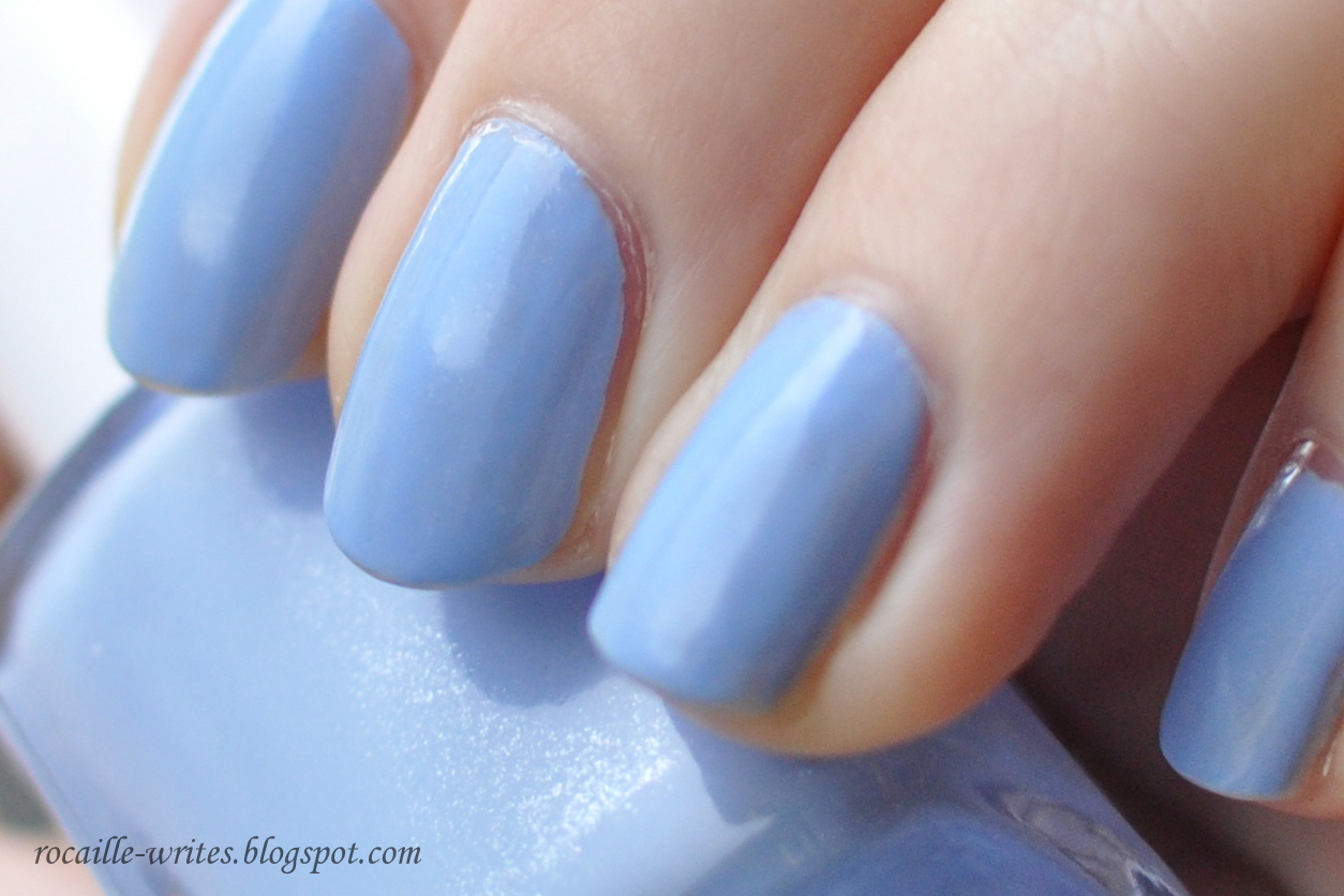 Rocaille Writes: Rocaille Swatches: 5 Favorite Blue Nail Polishes