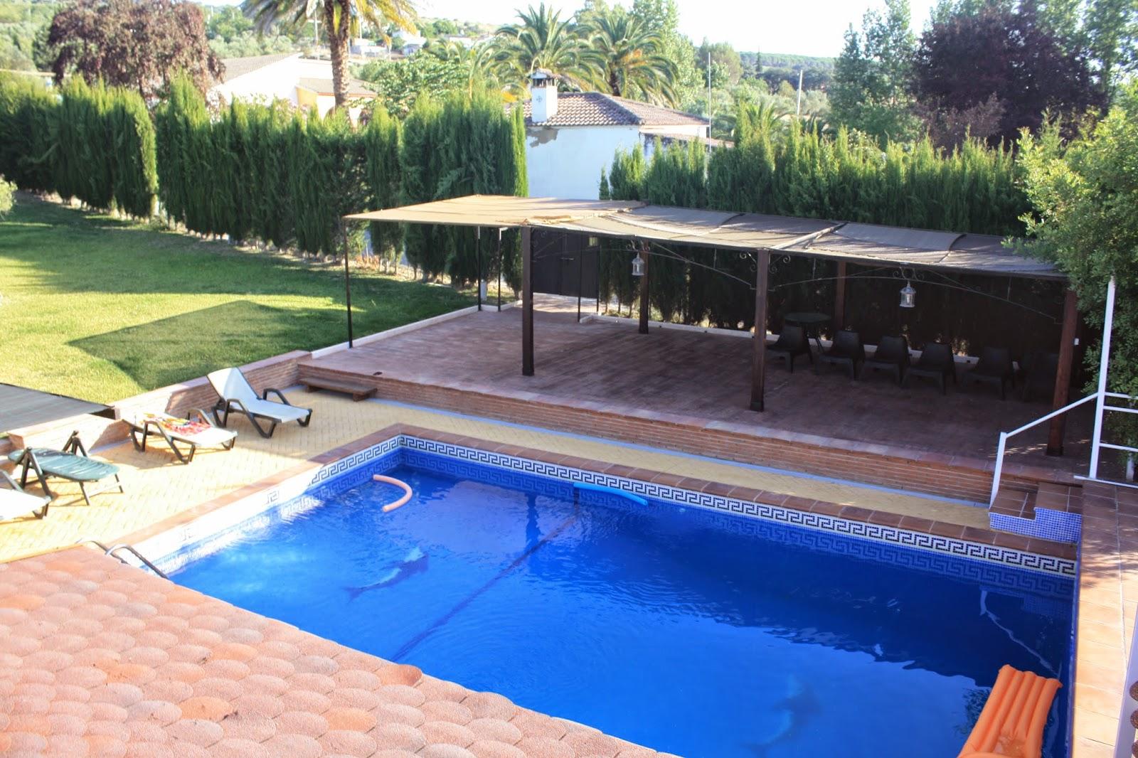Casa luisa ronda piscina y barbacoa for Barbacoa y piscina madrid
