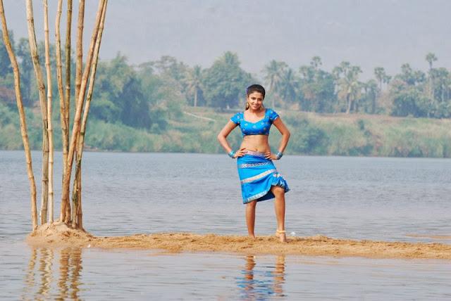 Amala Paul Stills From Vettai Movie