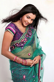 saranya hot navel show