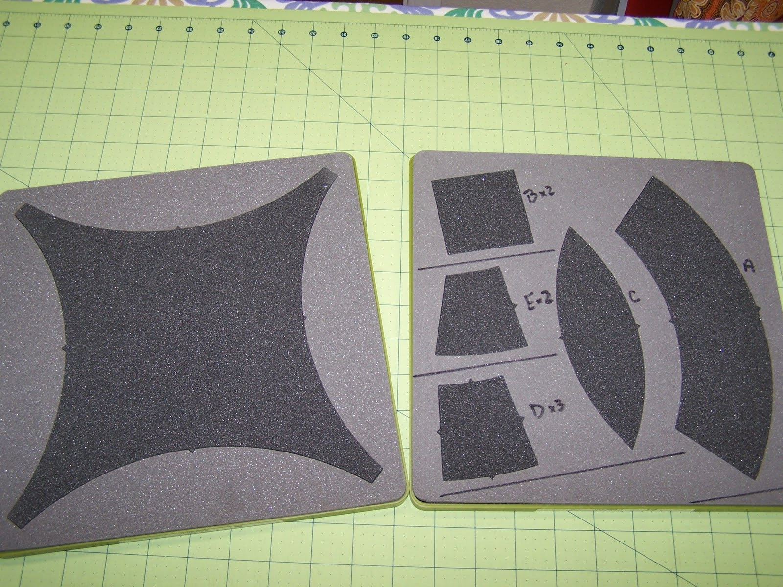 Then came the Accuquilt Double Wedding Ring template. I was sure this ...