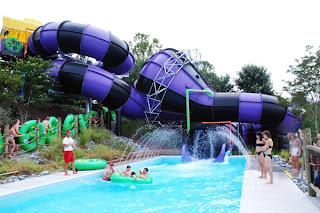 Wet 'n Wild Emerald Pointe Water Park