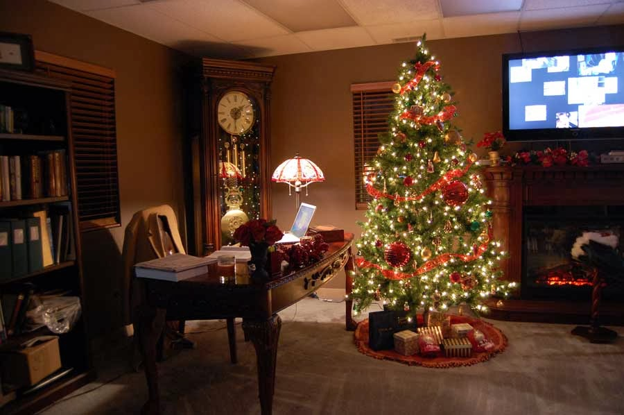 Decor designs colors ideas cheerfull christmas home for Christmas home ideas