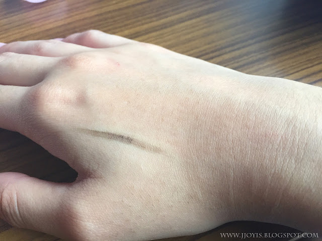 Etude House eyebrow crayon swatch
