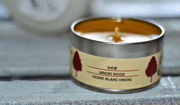 muji-hinoki-wood-tin-candle