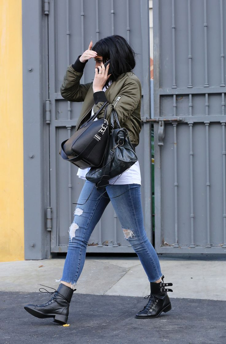 Kylie-Jenner-givenchy-antigona-bag