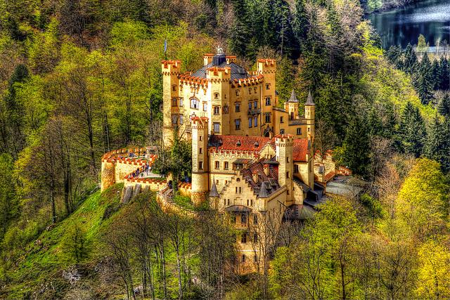 thăm quan lâu đài Bellevue