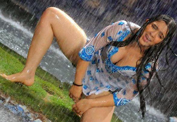 namitha nude sex kiss