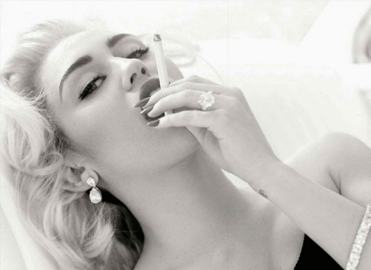 Miley Cyrus Smoking Photography