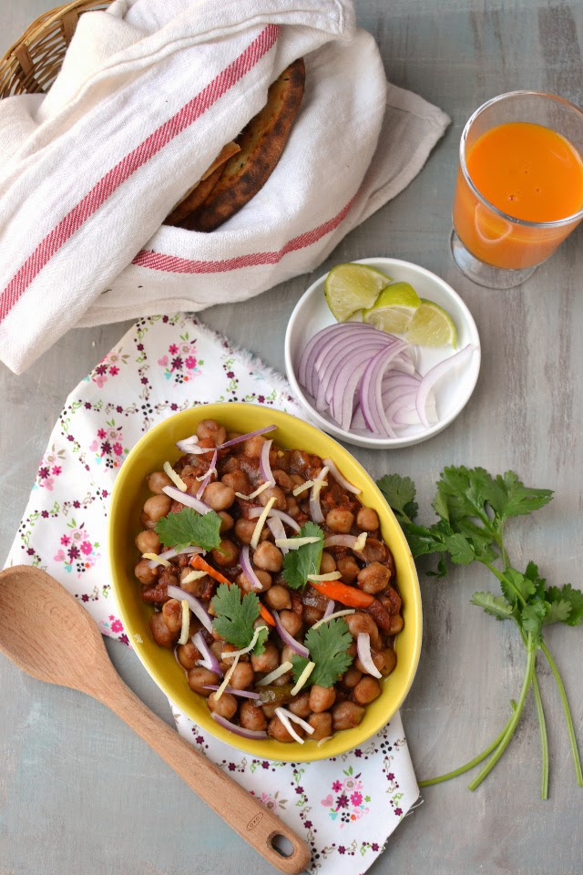 Amritsari Chole (Spicy Chickpea Curry)