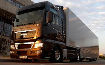 #18 Trucks Wallpaper