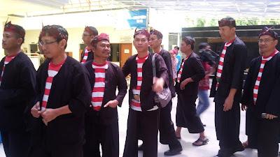 Pakaian Adat Ponorogo | sanggarnusantara.blogspot.com