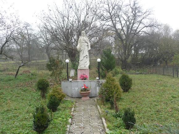 Верхній Дорожів. Скульптура Ісуса Христа