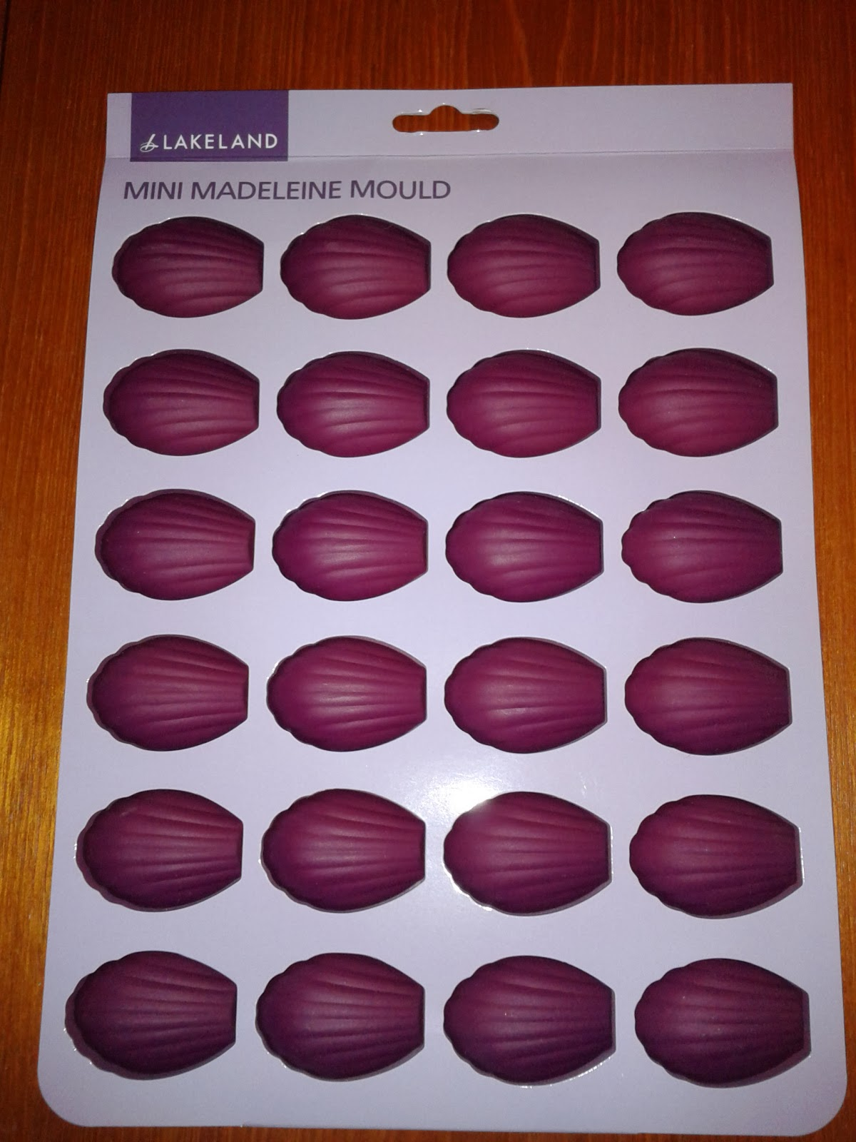 Lakeland mini madeleine mould